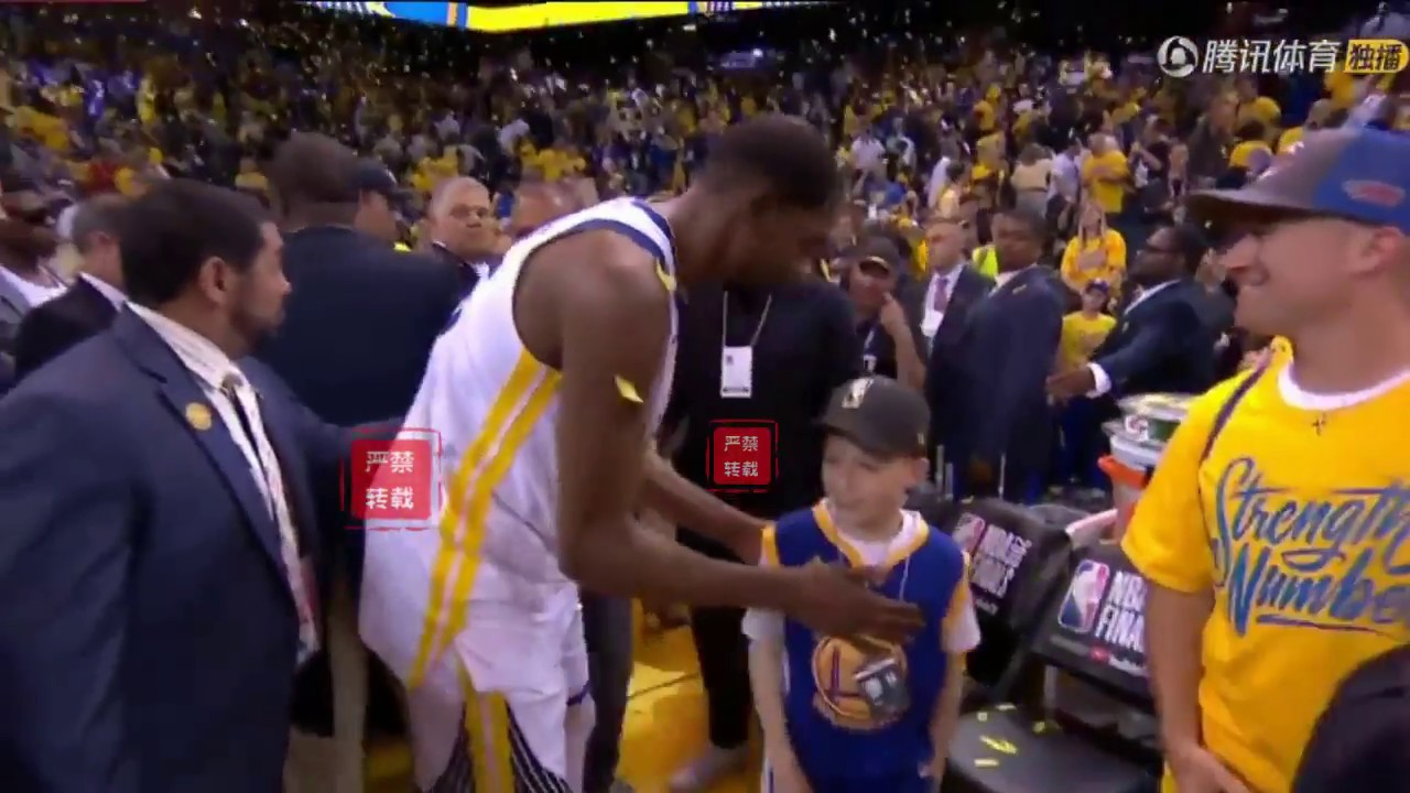 Kevin Durant Shows His Love To A Little Warriors Fan After Game 1 Win!