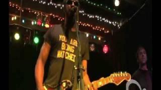 dirtbombs - motor city baby (live)
