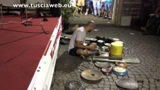 Dario Rossi - Incredibile batterista e percussionista di strada - Amazing street drummer