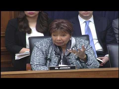 Rep. Eddie Bernice Johnson questions the panel at hearing on 21st Century Infrastructure