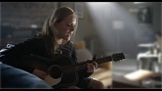 """Maisy Stella (Daphne) Sings """"Come And Find Me"""" - Nashville"""