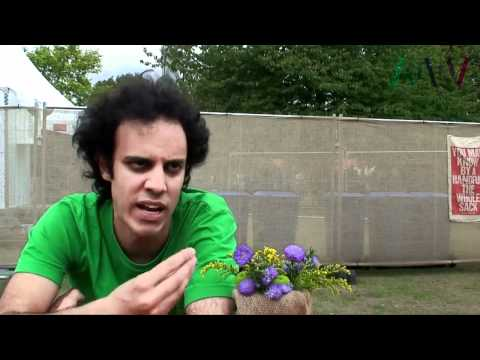 Four Tet Interview On Fabriclive 59, Burial & Thom Yorke At Field Day 2011