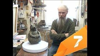 Эпатажный художник сделал к выборам фигурку «ватного Ждуна» и думает, что с ней делать