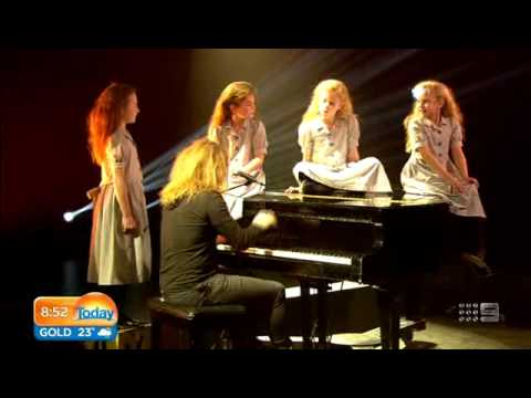 Tim Minchin performs music from Matilda The Musical on Today.