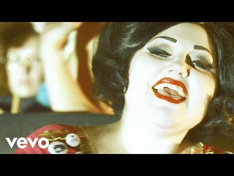 Gossip - Men In Love (Video)