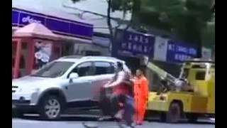 Девушка угоняет эвакуатор!(, 2014-01-18T10:58:58.000Z)