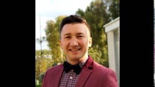 Ведущий импровизатор на свадьбу и корпоратив Денис Пирожков. Лучший ведущий из квн