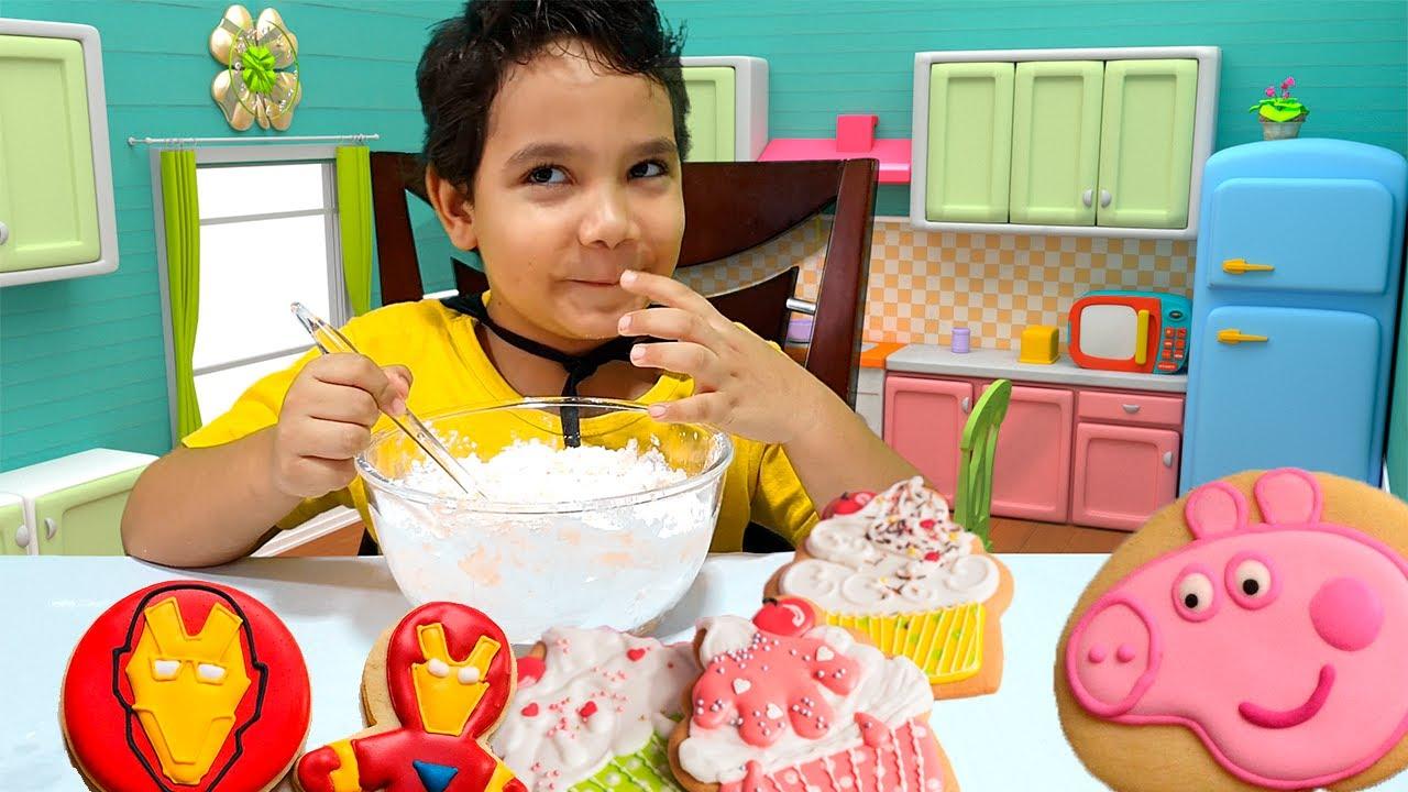 Guilherme Filho fez biscoitos divertidos - Criança na cozinha!!!
