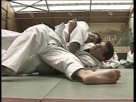 Judo   Progresser de la ceinture blanche à la ceinture orange - YouTube 5c7c71722a3