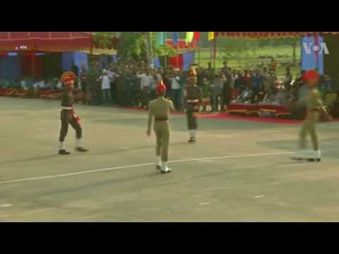 Retreat Ceremony at India-Bangladesh Border