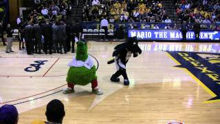 Mario the Magnificent does Smooth Criminal with the Phillie Phanatic