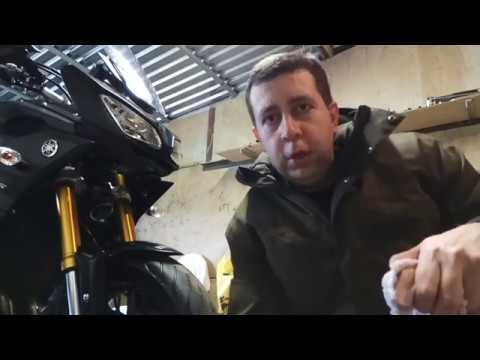 Чистим вилку на мотоцикле (на примере Yamaha MT-09 Tracer). Чтоб вилка не потела! Мотосовет-лайфхак