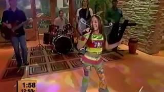 Danna Paola Cantando Amy La Niña De La Mochila Azúl