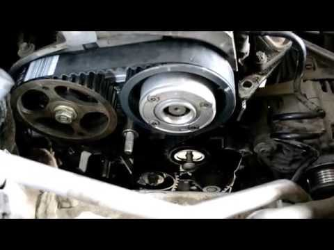 Замена ремня ГРМ Renault К4М K4J Replacing the timing belt Renault K4M K4J