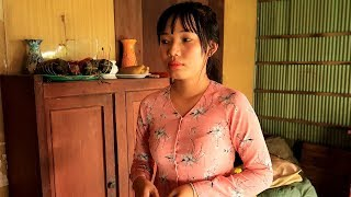 Clip vui Ngày Tết: Chậu Bông Không Có Lỗi Lỗi Tại 3 Ngàn | Thôn Nữ Miền Tây Tập 40