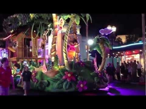 Universal Studios Florida Superstar Parade Premiere Highlights