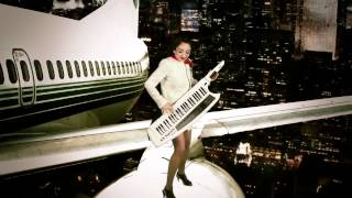 Belinda Bedekovic - Airplane Improvisation