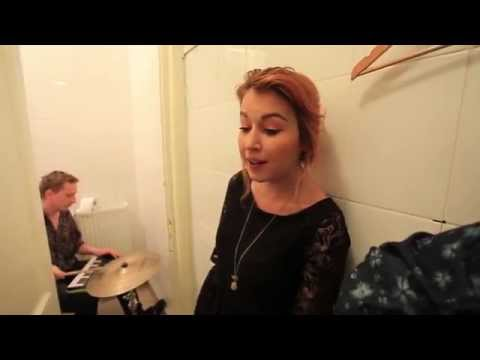 We Singing Colors - Cover Nancy Sinatra - You Only Live Twice
