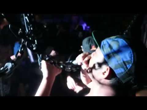 Ugly Bastard - Bakar Ilusi pulau surga Sign Out party at Harlem Studio on Tantra Bali