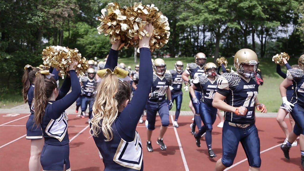 American Football Cheerleader bei pur+ ZDFtivi - YouTube