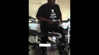 Tony Byrd Best drummer alive Drumming to Lil Wayne