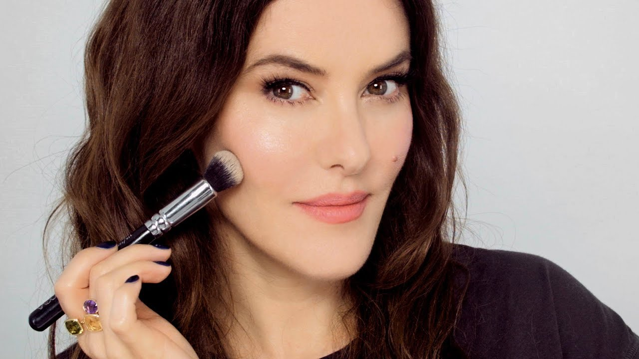 3c8d6ade664 Lisa Eldridge Make Up | Video | A Natural Look Using 'Instaglam' Classics