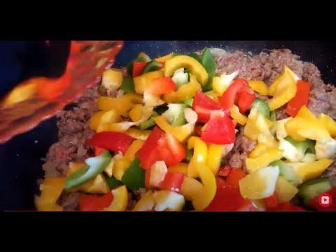 plat-aubergine-aux-poivrons-champignons-et-viande-hache-vraiment-bon