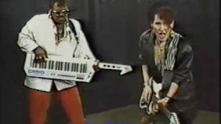 """Eggroll performs """"No Satisfaction"""" 1987 on NY Public Access"""