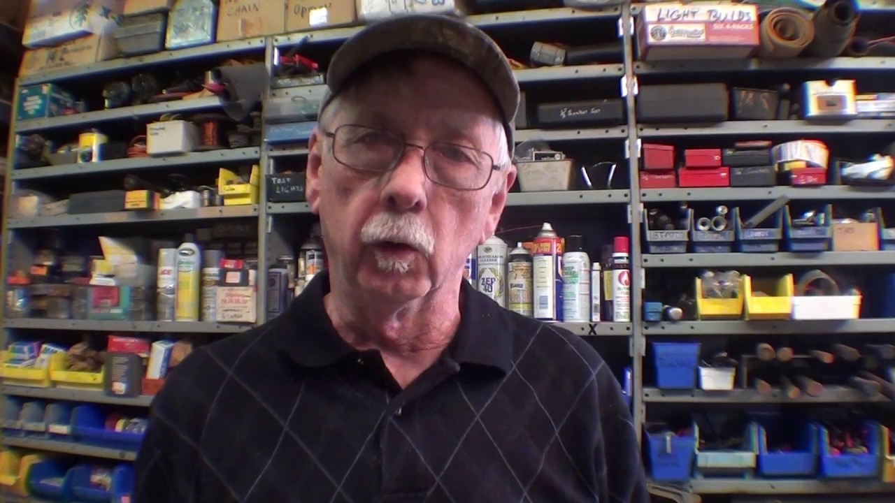 A To Z Auction >> MR PETE SCORES AT A Machinists Tool Auction part 1 tubalcain - YouTube