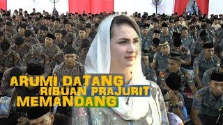 KECANTIKAN ARUMI BACHSIN HIPNOTIS RIBUAN PRAJURIT TNI DAN POLISI  ..WAAOOW.WW