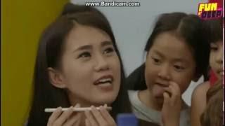các bé Vietnam Idol Kids gọi điện thoại cho ca sĩ Khởi My