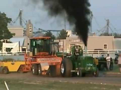 2012 - Super Farm Tractor Pull- 9300lbs Dresden, ON.