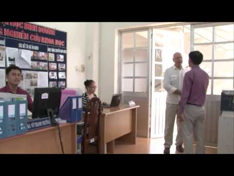 ĐH Bình Dương chuyển giao phần mềm ứng dụng tin học trong y tế cho 38 đơn vị