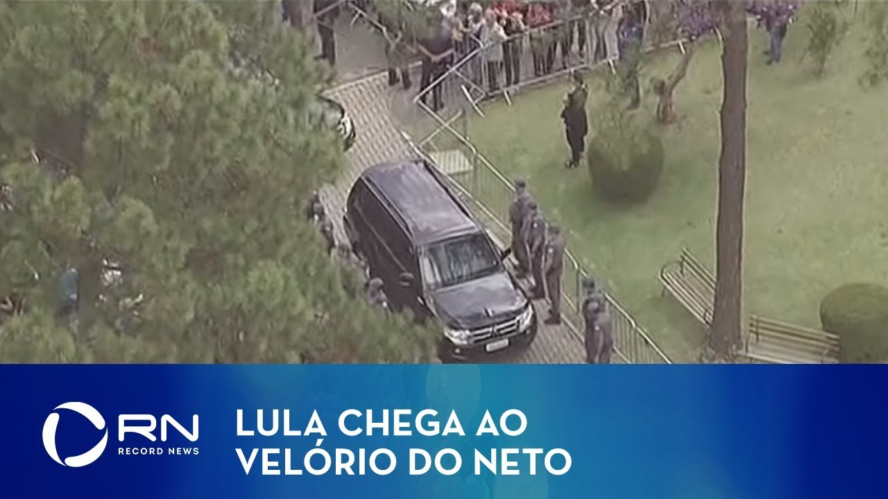 Lula chega ao velório do neto