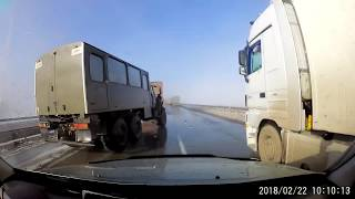 Урал без тормозов на трассе Тараз-Шымкент
