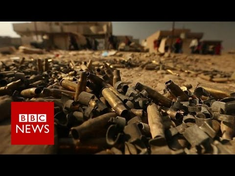 Mosul battle: Iraqi forces under fire as they push into city - BBC News