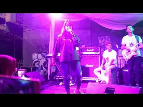 Despacito x Sorry - Luis Fonsi x Justin Bieber Live Performance by Hanin Dhiya