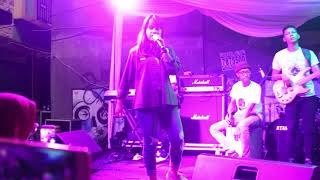 Despacito x Sorry Luis Fonsi x Justin Bieber Live Performance by Hanin Dhiya