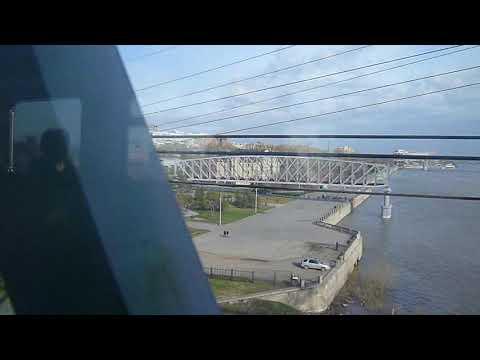 На мосту через Обь в Новосибирске - вид из окна электрички.