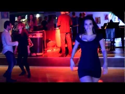 Caffe Colao Centar Plesa Split: KARAOKE u 7 ujutro!!!