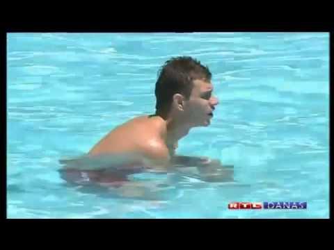 Edin Dzeko in Croatia with Emir Spahic