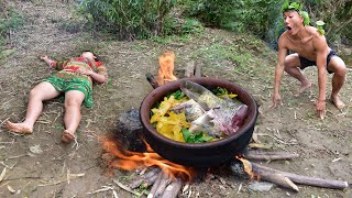 Primitive Technology - Cooking Eating Delicious - Find Food Meet Girl Sleep By The Big Pot Of Fish
