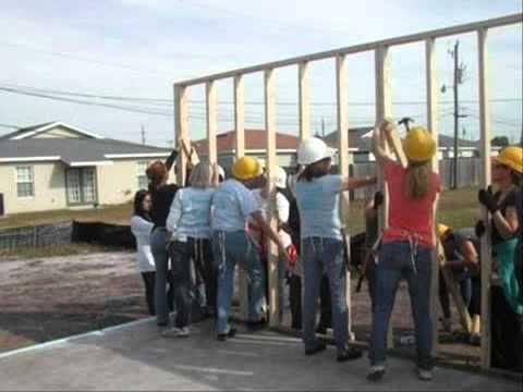 คู่มือสร้างบ้านด้วยตนเอง วิธีแต่งบ้านไม้