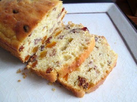 cake-aux-fruits-secs-et-aux-épices-facile