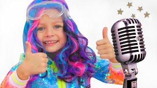Майя играет в шоу талантов | Детские песни от Майи и Маши