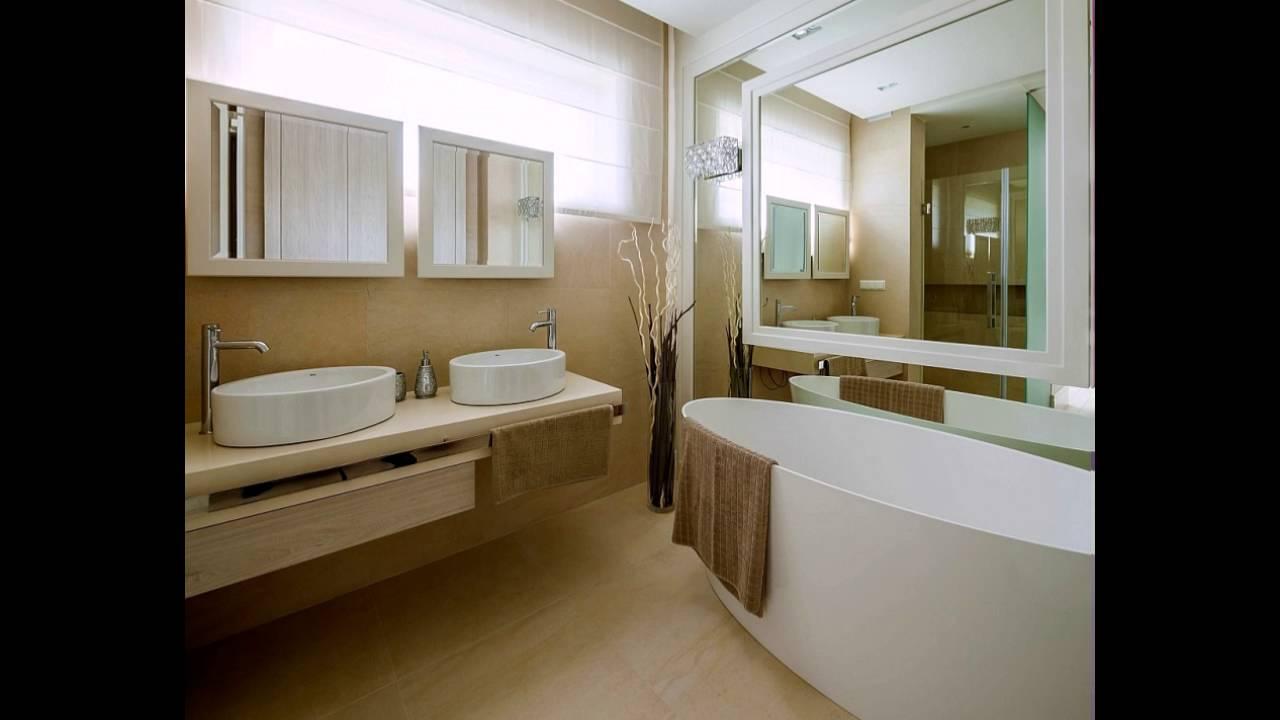 Schöne Moderne Badezimmer In Creme Und Weiß Mit Bodenvase