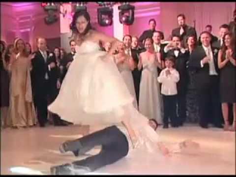 Marry.vn - Cô dâu chú rể nhảy trong đám cưới