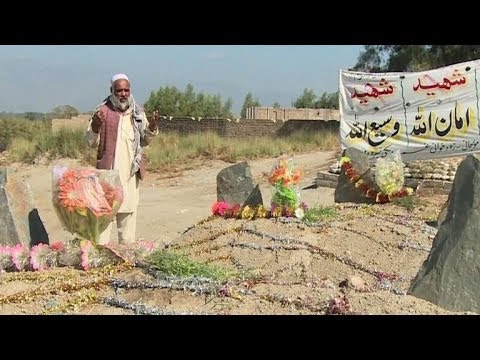 The Afghan villages where the Taliban rule at night