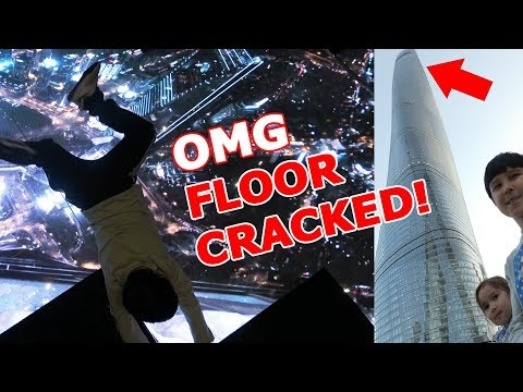Kids broke glass floor and fell from skyscraper | Shanghai Tower Prank Attractions (Pretend Play)