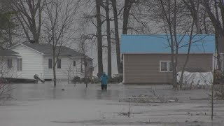 RAW: Rising water levels in Quebec flood homes and farmland